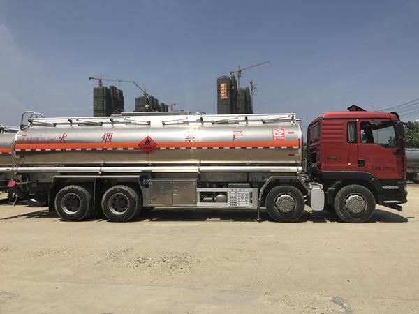 汕德卡铝合金油罐车