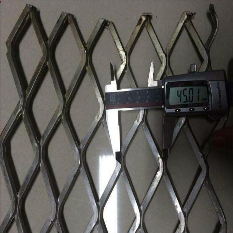 亚奇钢板网系列:脚踏板楼房工人钢笆踏板-电厂楼梯钢板网示例图1