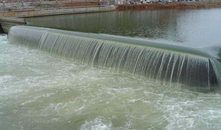 液压升降坝