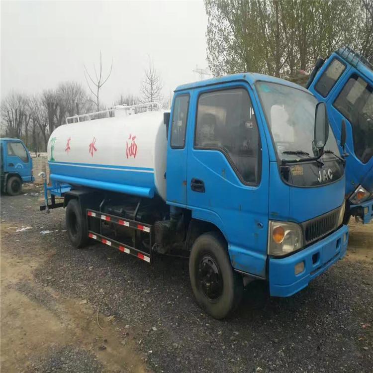 出售10吨洒水车价格 环卫东风洒水车价格 8吨洒水车厂家直销