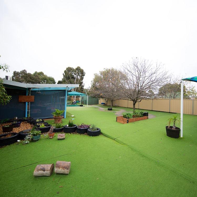 人造草坪廠家 人造草坪價格 幼兒園人造草坪 人造草坪批發 華諾廠家圖片