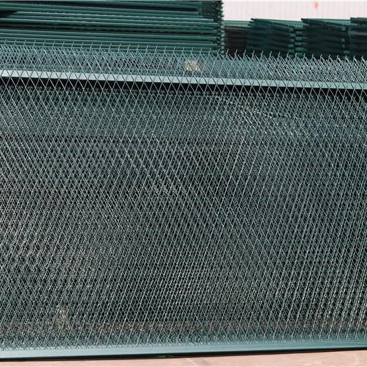 铁路桥下刺丝绳防护栅栏,高铁防护栅栏金属网片,公路防护网