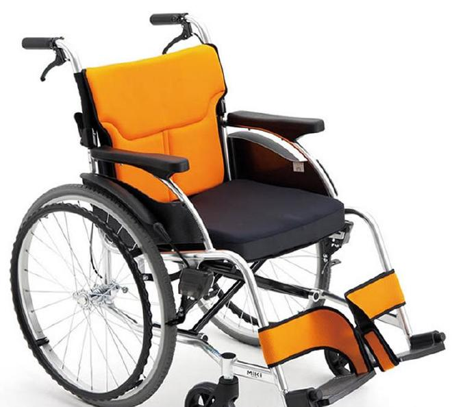 现货供应三贵MiKi 手动轮椅车MCS-43JL DX 折叠 老人残疾人代步车