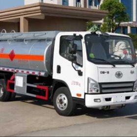 解放牌5噸加油車,東風5噸加油車,油罐車品牌齊全價格低廉!