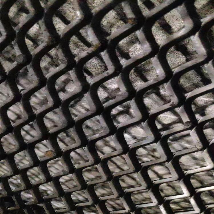 銮基供应 冲压成型钢板网 钢板网压平 不锈钢钢板网