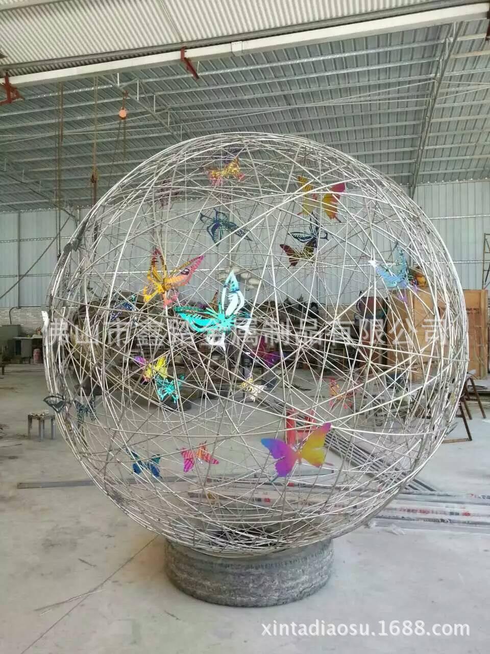 人造草坪大型304不锈钢镂空蚂蚁雕塑 白色氟碳漆表面安装效果图示例图11