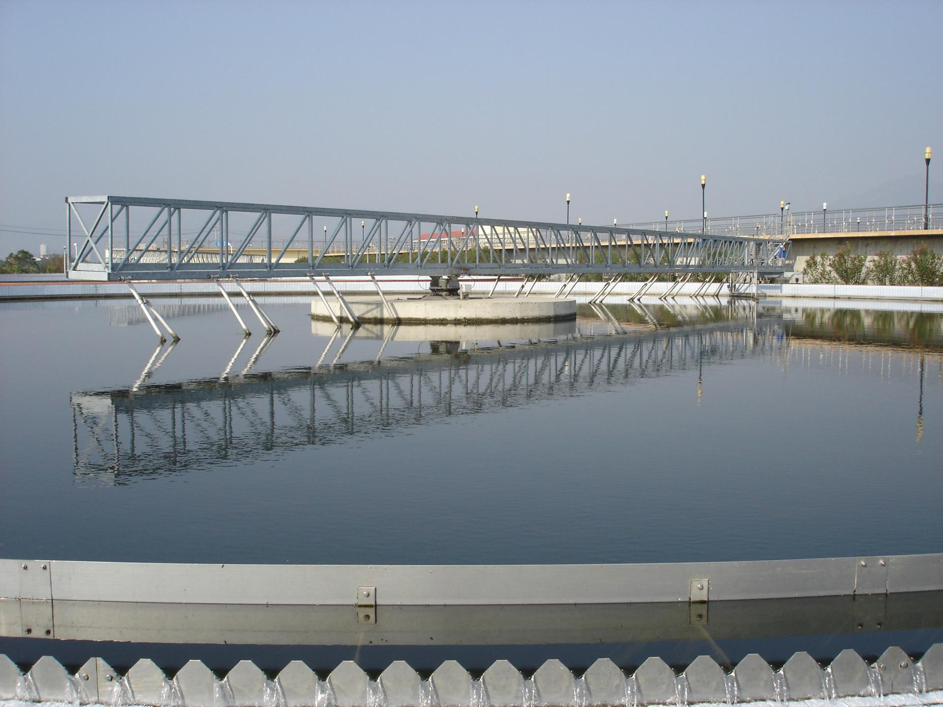 南京兰江WNG浓缩池悬挂式传动刮泥机 行车式刮泥机示例图2