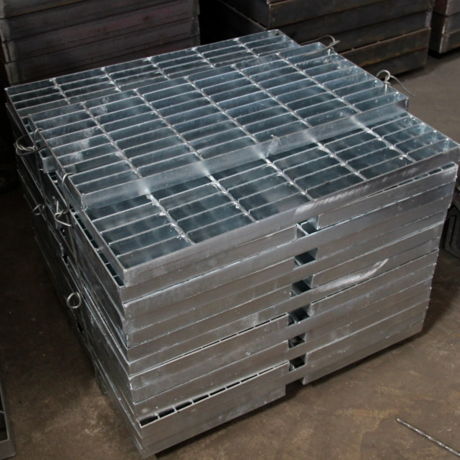 鋼梯踏步板 G305/30/100 防滑踏步板 承載力好 豐旭澤鋼格板廠家專業CAD制作  異形鋼格板  水溝蓋板