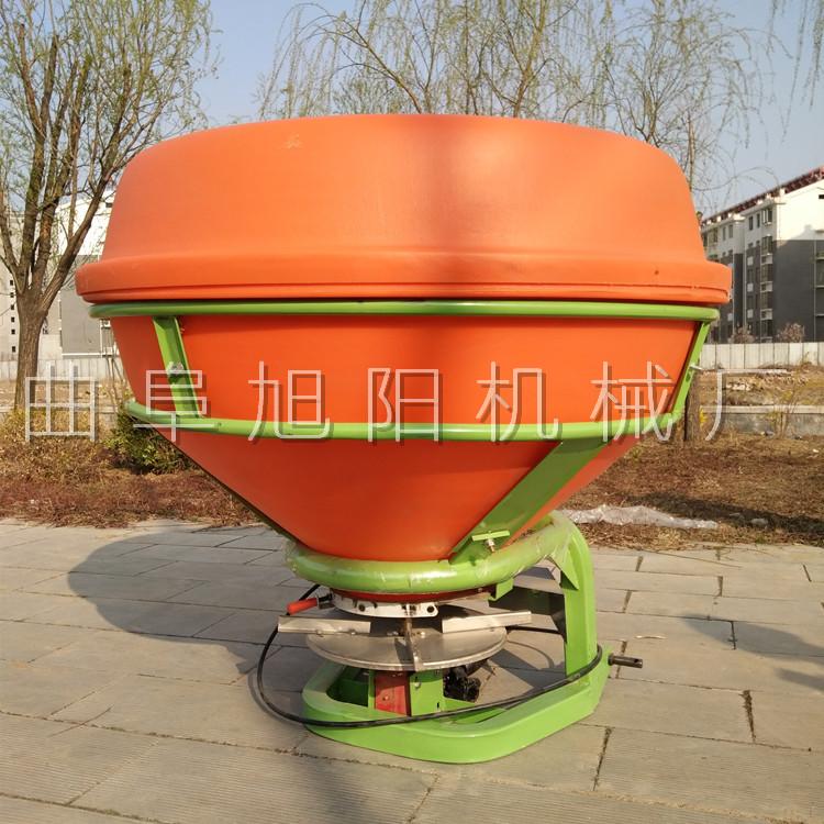 农用后置撒肥机 颗粒肥悬挂撒肥机 传动轴输出撒肥机山东直销示例图8