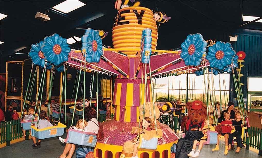 广场销售火爆儿童旋转迷你小飞椅 大洋厂家专业定制12座迷你飞椅示例图18