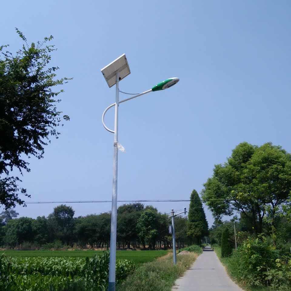 甘肅 慶陽 平涼 天水 定西太陽能路燈 精準扶貧太陽能路燈 生產批發路燈廠家 浩騰照明