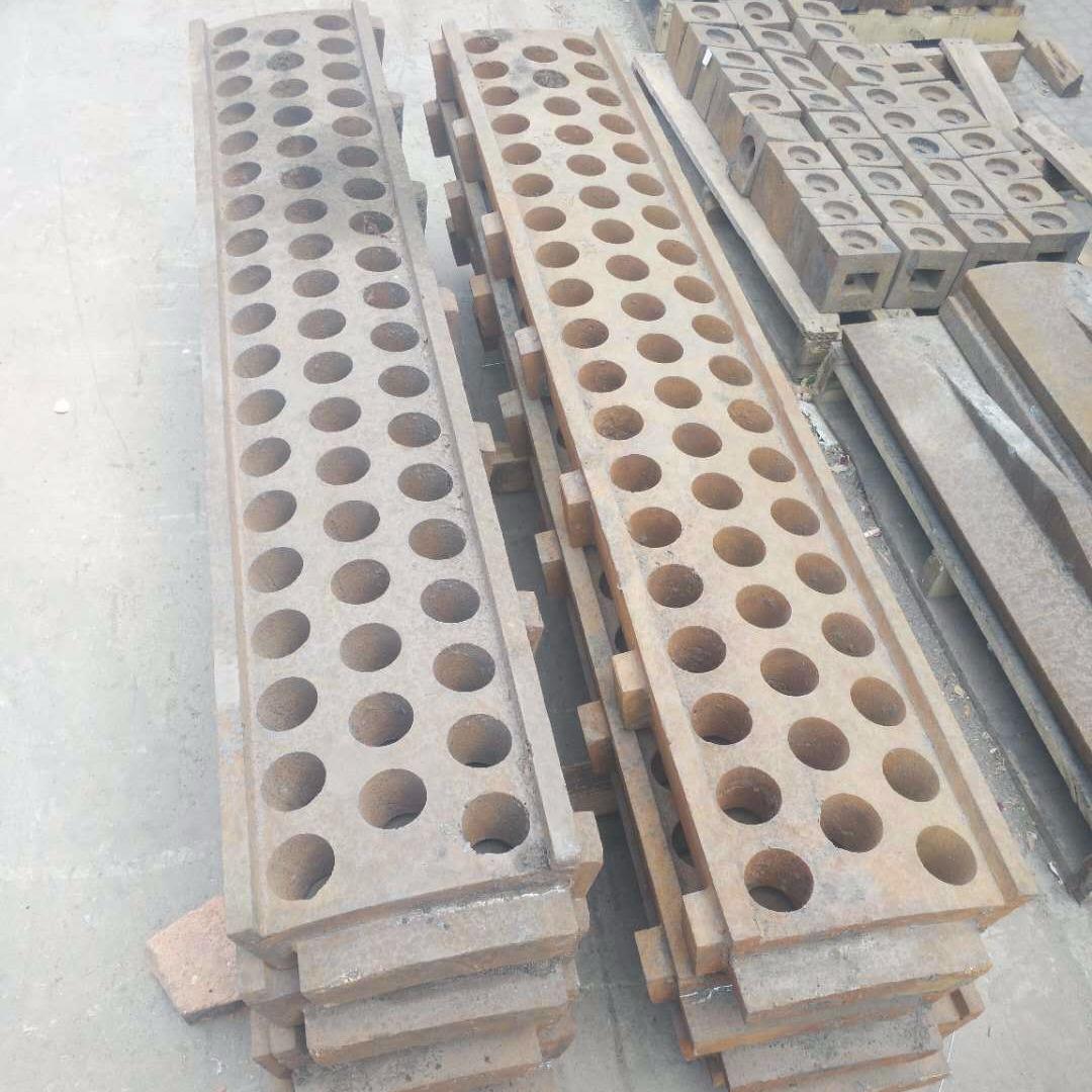 砖厂矿厂沙厂破碎机配件锤头 筛板 篦板 筛条 蓖条 衬板 绞龙