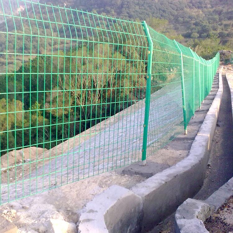 现货双边丝护栏网 球场围栏铁丝网 铁丝网 云旭 支持定制