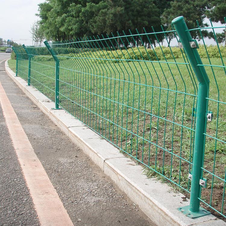 锌钢护栏铁丝网护栏 养殖双边护栏 铁丝网隔离栅现货批发铁丝网 云旭 免费设计