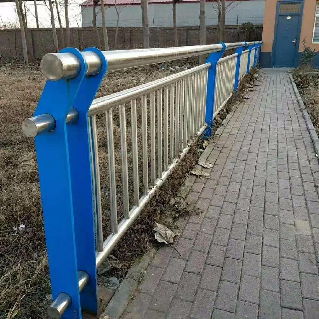 四川德陽不銹鋼復合管護欄、201不銹鋼復合管護欄、304不銹鋼復合管護欄、雙金屬復合管護欄、橋梁鋼板護欄立柱