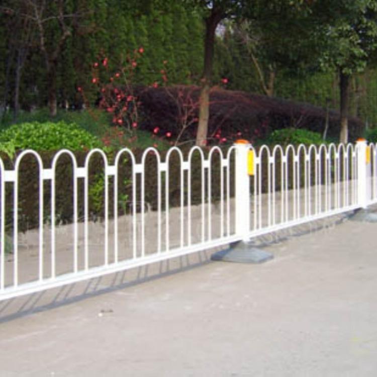 室外锌钢护栏 锌钢京式防撞护栏锌钢护栏 市政道路城市围栏 云旭 现货供应