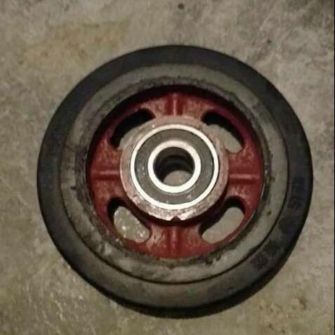 厂家供应舷梯下平台滚轮、胶轮价格、皮轮、尼龙轮舷梯滚轮,认准宝恒