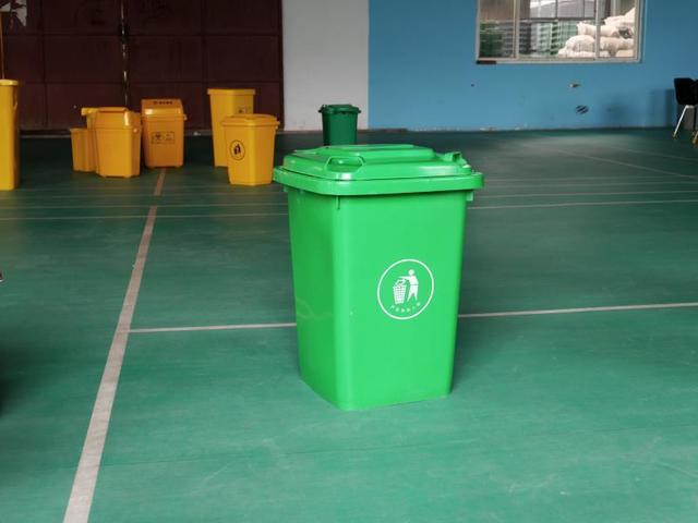 厂家直销100L垃圾桶,塑料垃圾桶