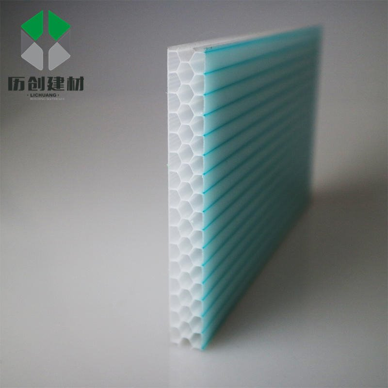 蜂窝状阳光板 8mm茶色阳光板 超强透光性、耐候性、隔音效果显著 聚碳酸脂板 10mm、12mm等均可定制 厂家直销