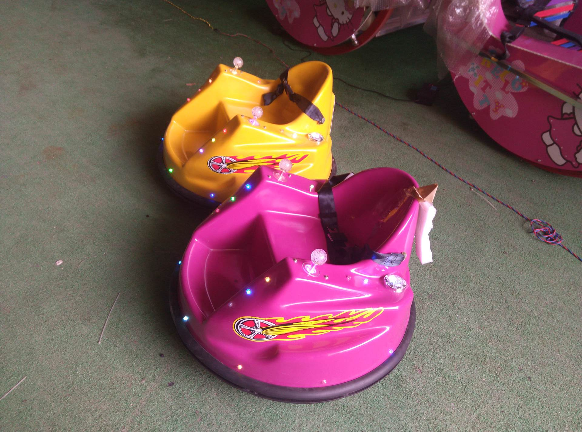 广场电瓶儿童飞碟碰碰车 单人电动儿童碰碰车大洋游乐生产厂家示例图5