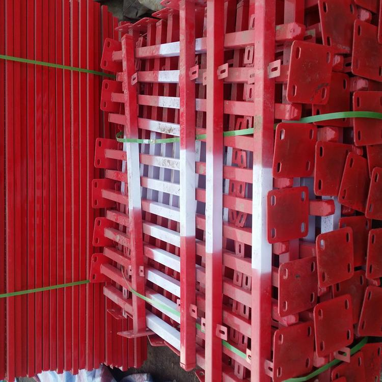 防腐防锈基坑围栏价格 基坑临边护拦基坑护栏 竖杆基坑围栏网 云旭 现货销售