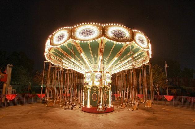 厂家直销现货供应24座豪华飞椅项目 公园经典游乐飓风飞椅报价示例图3