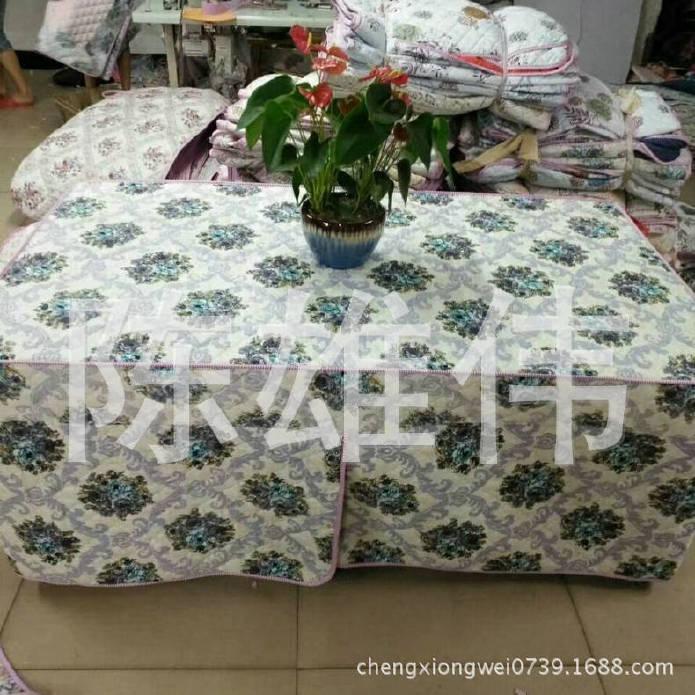 厂家生产钻石绒茶几四开棉桌罩 防水加棉桌布 防油加棉桌布示例图4