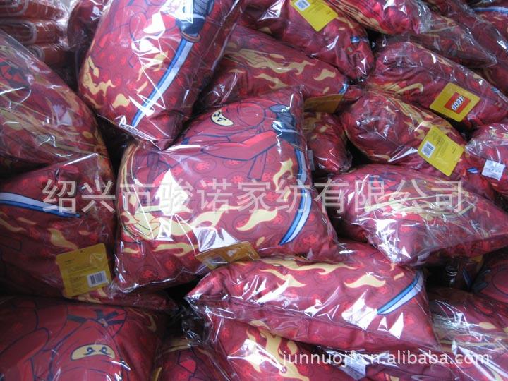 绍兴市骏诺家纺厂家供应订做色丁布靠垫,卡通抱枕示例图5