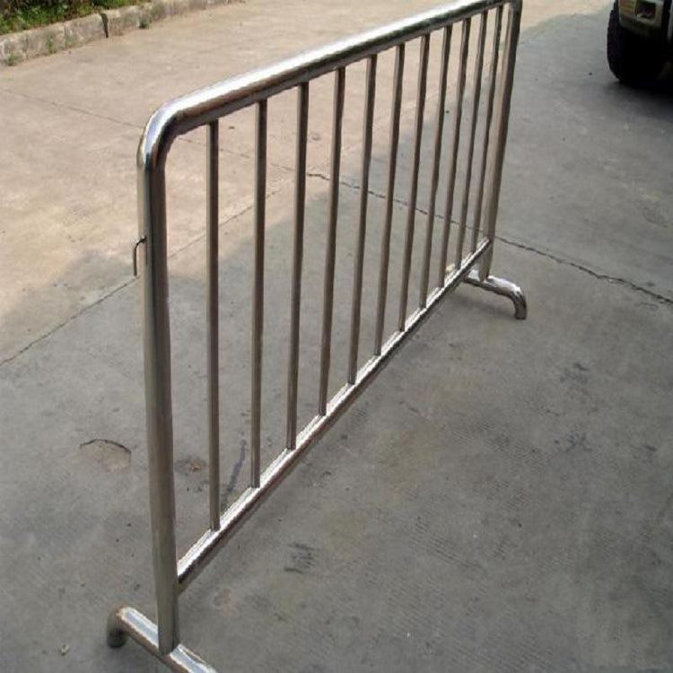 青岛热销铁马护栏圆管折弯加固型 交通有序铁马围栏 颜色款式任选示例图4
