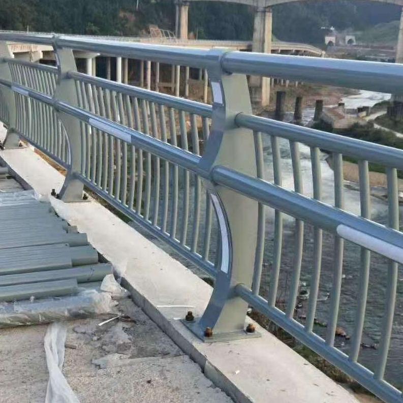 河道橋梁欄桿 河道不銹鋼復合管護欄 景觀復合管欄桿 河邊不生銹欄桿精工生產