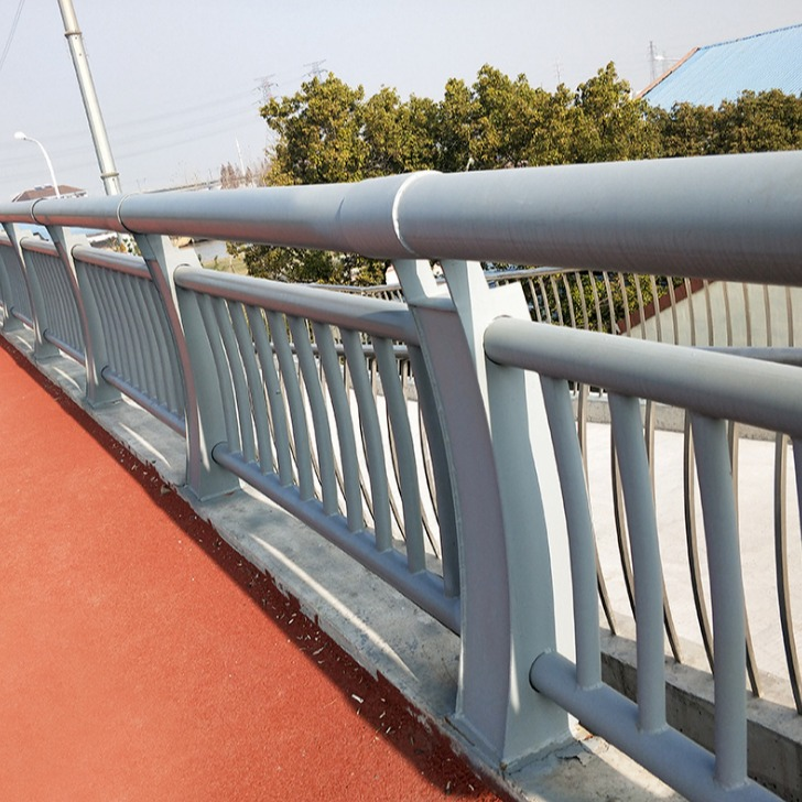 橋梁護欄 碳素鋼復合管防撞欄桿 景區園內不銹鋼復合管隔離護欄 河道不銹鋼304欄桿