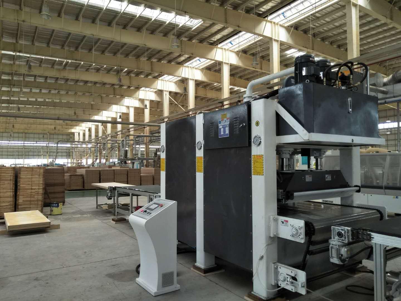 亨力特160噸木門短周期復合熱壓機自動輸送線,熱壓機尺寸非標可以定制示例圖3