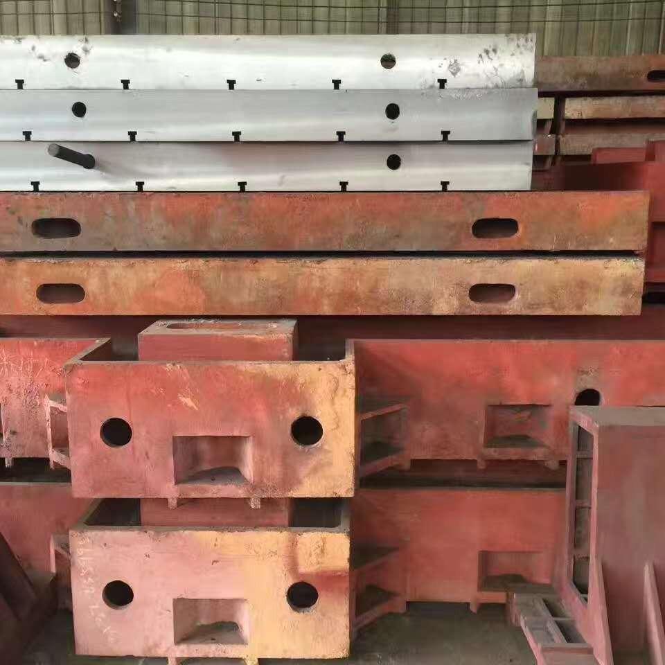 2019年底促销各类铸件 机床铸件 床身铸件 铸铁工作台 泊头亮健机械专业铸件生产加工厂
