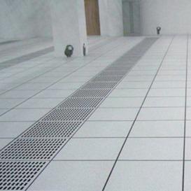波米亚全钢防静电通风地板 潍坊铝合金通风防静电地板 净化厂房机房常用加强型通风高架地板 冷通道通风地板---济南向利机房