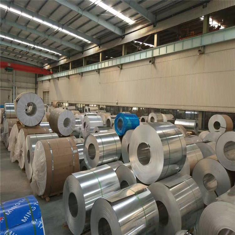 覆膜铝板花纹铝板防滑铝板5052H32O态铝板卷0.5mm厚价格长期供应永不断货