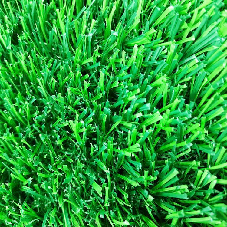 體育場人造草坪 黑背膠4x25m圍擋草坪廠家 捷源達人造草坪圍擋
