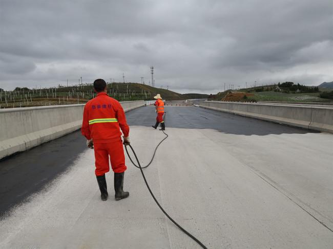新型AMP-100反应型粘结材料 桥面防水层技术要点示例图3